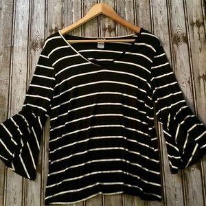 🔥3 for $18🔥 Navy & White Striped Belle Sleeve
